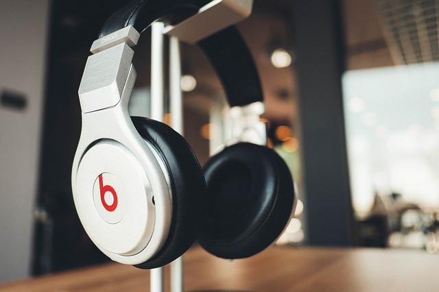beats-headphone